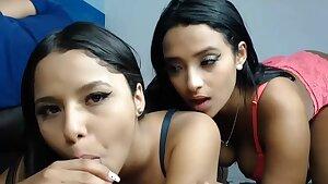 BLOWJOB PARTY ON WEBCAM SEX SHOW